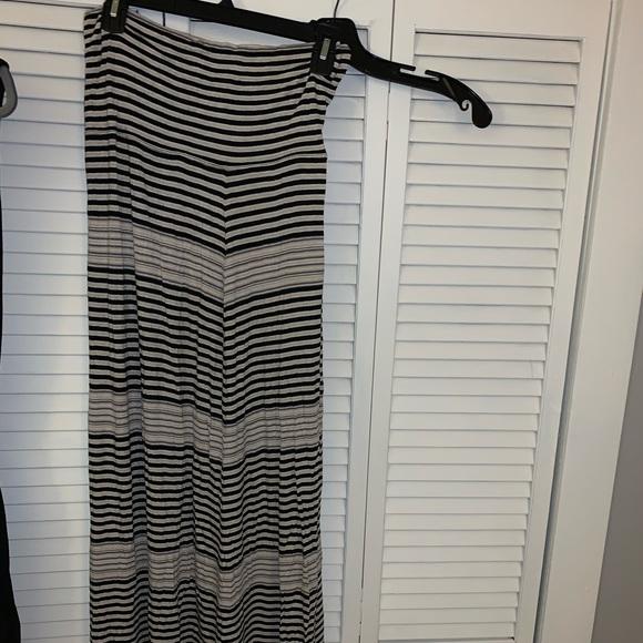 Max Studio Dresses & Skirts - Maxi skirt